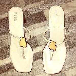 Adorable white GUCCI thong sandal size 9